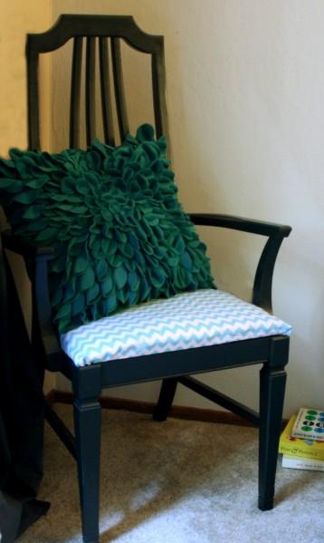 Black_Chair_Setting_3